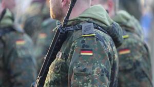 Alman ordusundaki aşırı sağcıyı kız arkadaşı ele vermiş