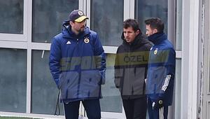 Fenerbahçe idmanında dikkat çeken görüntü Erol Bulut, Emre Belözoğlu ve Gökhan Gönül...