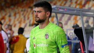 Son dakika: Beşiktaşta Ersin Destanoğlu rahatsızlandı, kaleye Utku Yuvakuran geçti