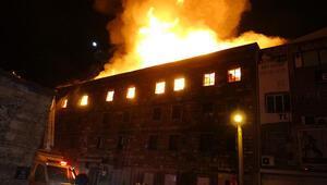 İzmirde bir atölyede korkutan yangın