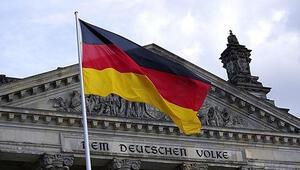 Almanyada kısıtlamalar hizmet sektörünü olumsuz etkiledi