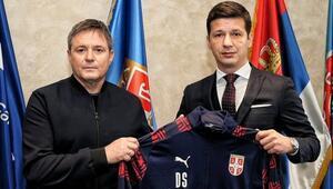 Sırbistan Milli Futbol Takımı, Dragan Stojkovice emanet
