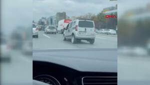 Trafikte herkesi şaşkına çeviren  zıplayan araç