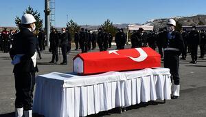 Sivasta kalp krizi sonucu vefat eden polis memurunun cenazesi toprağa verildi