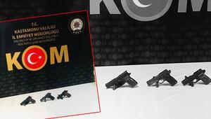 Kastamonuda sırt çantasında 3 tabanca bulunan kişi gözaltına alındı