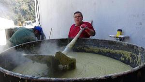 150 yıllık ata mesleğini sürdürüp, sabun üretiyor