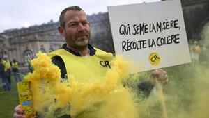 Fransız çiftçiler isyan etti... Her gün bir kişi...