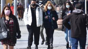 Çok riskli iller arasındaki Konyada Tabip Odası Başkanı Eyüp Çetinden uyarı: Aşıyla birlikte gevşeme oldu