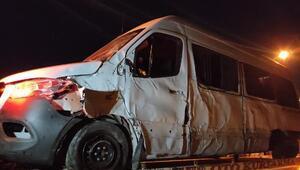 Sporcuları taşıyan minibüs kaza yaptı: 1i ağır 7 yaralı