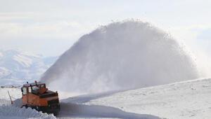 Van, Hakkari ve Bitliste 450 yerleşim yeri, kardan kapandı