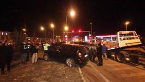 Dinarda 3 aracın karıştığı zincirleme kaza