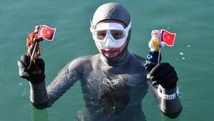 Serbest dalış rekortmeni Birgül Erkenden Sivasta Dünya Kadınlar Günü dalışı