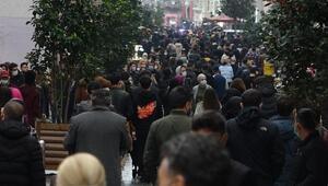 İstiklal Caddesinde dikkat çeken yoğunluk