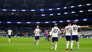 İngiltere Premier Ligde Tottenham, sahasında Crystal Palaceı farklı yendi