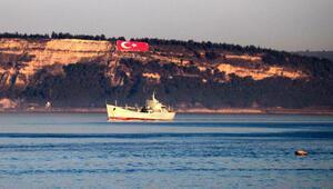 Rus savaş gemisi Saratov Çanakkale Boğazından geçti
