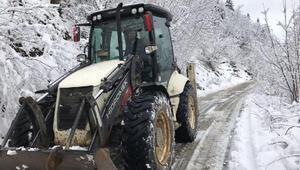 Trabzon ve Rize'de kar esareti 101 köy ve mahalle yolu kapandı