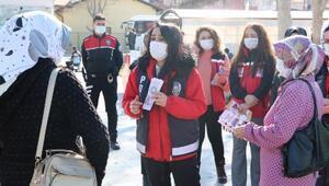 Polis ekipleri, kadınlara KADES'i tanıttı