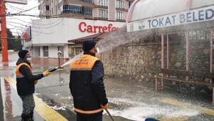 Tokatta, belediye ekiplerinin koranavirüs mesaisi devam ediyor