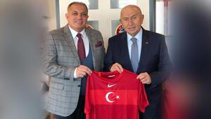 'Türk hocalarımız, Avrupa'da staj yapsın'