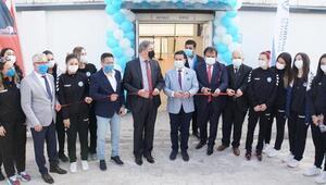 Yalıkavakspor Kadın Hentbol Takımı yeni salonuna kavuştu
