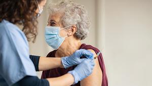 Aşı olanların aklında tek soru: Biz de maskesiz görüşebilecek miyiz