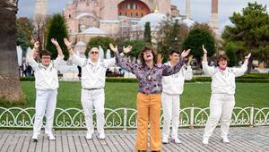 Bee Gees'in Stayin' Alive şarkısı engelli gençlerin sesi oldu