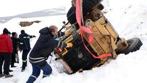 Erzurumda iş makinesi şarampole devrildi 1 yaralı