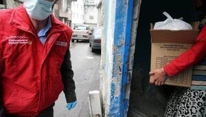 Kermesteki ürünleri satın alıp 30 aileye dağıttılar