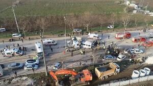 Freni arızalanan TIR karşı şeride geçerek araçları sürükledi