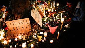 Londrada bir polisin kaçırıp öldürdüğü Sarah Everard törenine müdahale tepki çekti