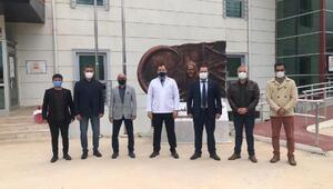Datçada MHPliler sağlık çalışanlarının 14 Mart Tıp bayramını kutladı