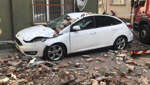 Beyoğlunda binanın çatı katında çökme meydana geldi.