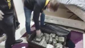 Bavul içinde yarım milyon liralık uyuşturucu yakalandı