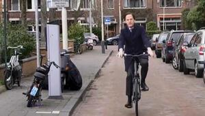 Hollanda'da Mark Rutte'nin 4'üncü seçim zaferi