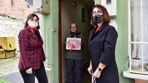 Gönül Elleri Çarşısı, 18 Mart Çanakkale Zaferi nedeniyle Şehit ailelerine Türk Bayrağı dağıttı