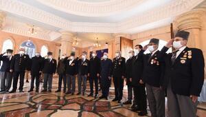 İstiklal Marşının kabulünün 100üncü yıl dönümünde 41 Mısra 41 Çizgi Sergisi açıldı