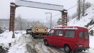 Demircide ulaşıma kar engeli