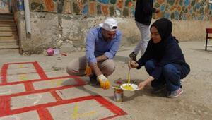 Öğretmenler, köy okulunu güzelleştirdi