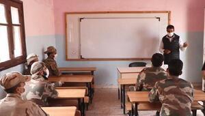 Suriyedeki güvenlik güçlerine Türkçe kursu