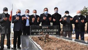 Muhsin Yazıcıoğlu ile birlikte hayatını kaybedenler mezarları başında anıldı