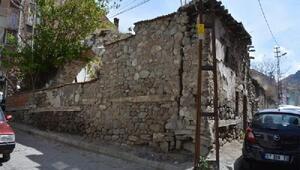 Sivrihisar'da tarihi Kumacık hamamı restorasyon çalışmaları başladı