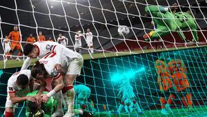 Türkiye - Hollanda maçına damga vuran an Penaltı atışında Uğurcan Çakıra seslendi ve...