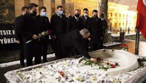 BBP Genel Başkanı Destici, Muhsin Yazıcıoğlunun kabrini ziyaret etti