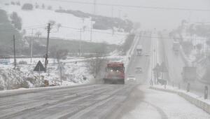 Kulada kar yağışı etkili oluyor