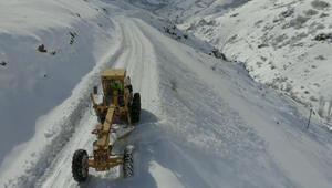 Bayburt'ta kar nedeniyle 17 köy yolu ulaşıma kapandı