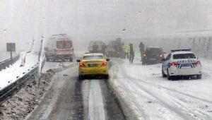 Zonguldakta yoğun kar yağışı Kazalar oldu... Trafik aksadı
