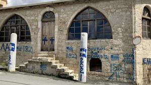 Ömer Çelikten GKRYdeki cami saldırısına sert tepki