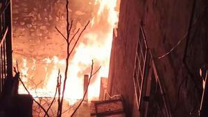 4 katlı binada korkunç yangın