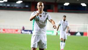 Feghouli attı, Cezayir şov yaptı