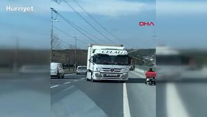 Sultangazide ters yönde geri giden TIR trafiği tehlikeye attı